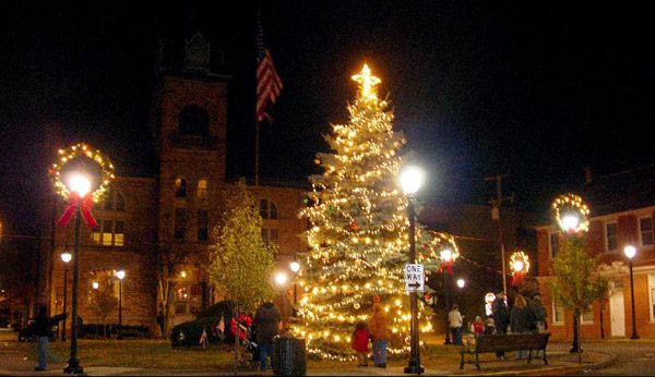 When Is The Christmas Tree Lighting At Stroudsburg Pa 2020 Downtown Stroudsburg Tree Lighting Celebration