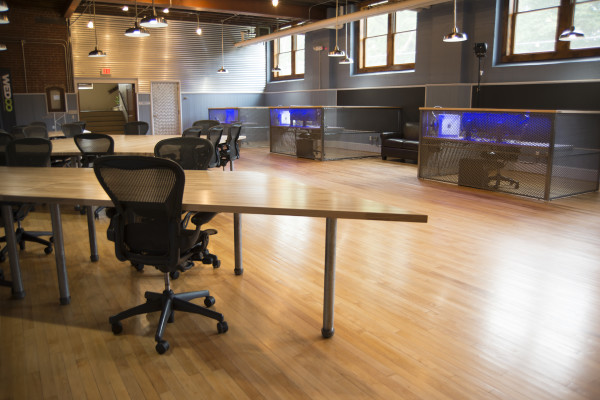 Coworking Space and Workstations 2